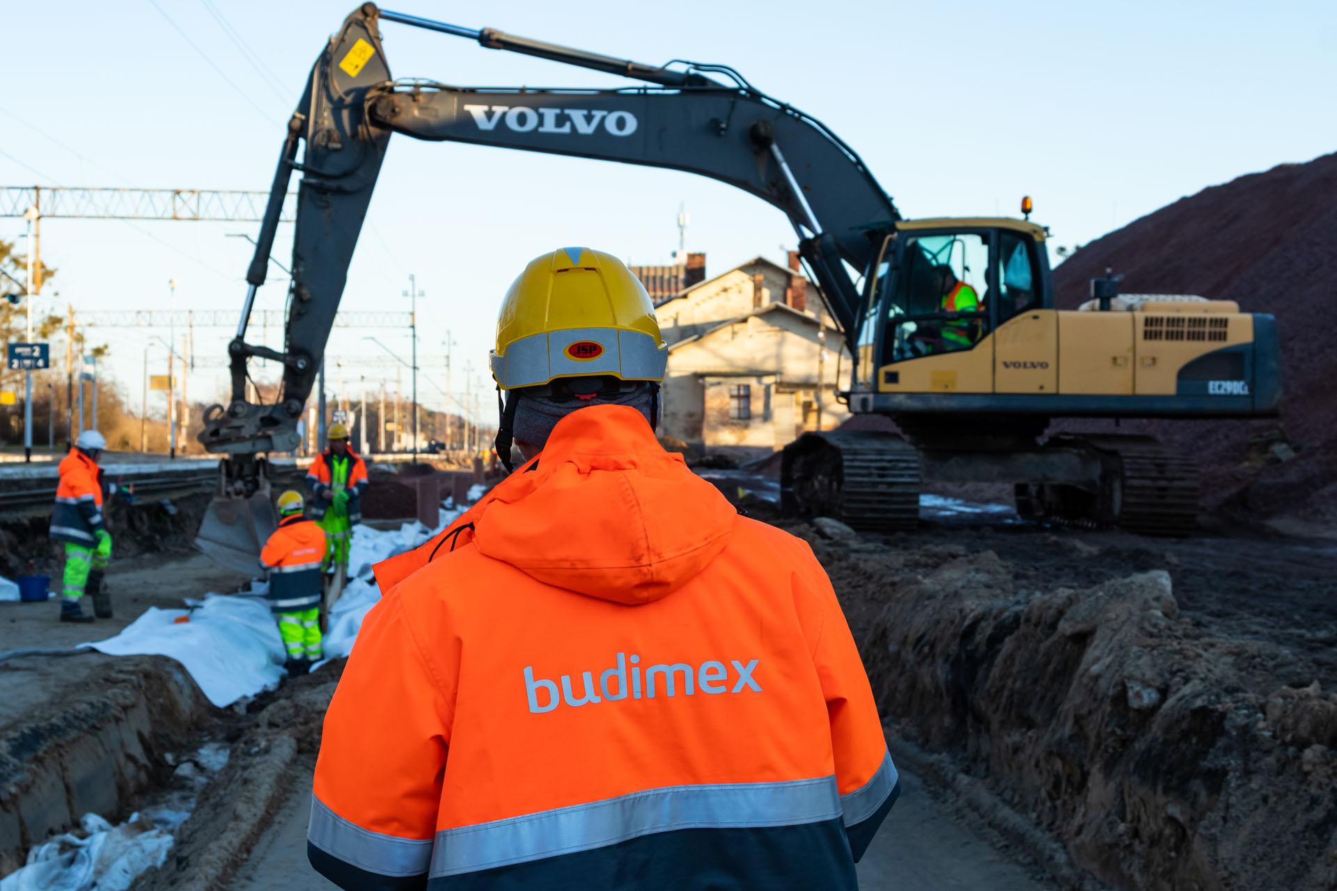 Galeria zdjęć pokazuje prace ziemne na szlaku Szamotuły-Pamiątkowo, które miały miejsce w lutym 2019 roku.