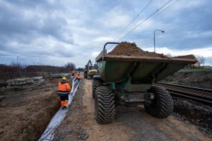 Galeria zdjęć pokazuje prace budowlane na szlaku Poznań-Kiekrz, które miały miejsce w marcu 2019 roku.