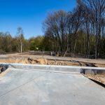 Galeria zdjęć pokazuje prace budowlane na szlaku Poznań-Kiekrz, które miały miejsce w kwietniu 2019 roku.