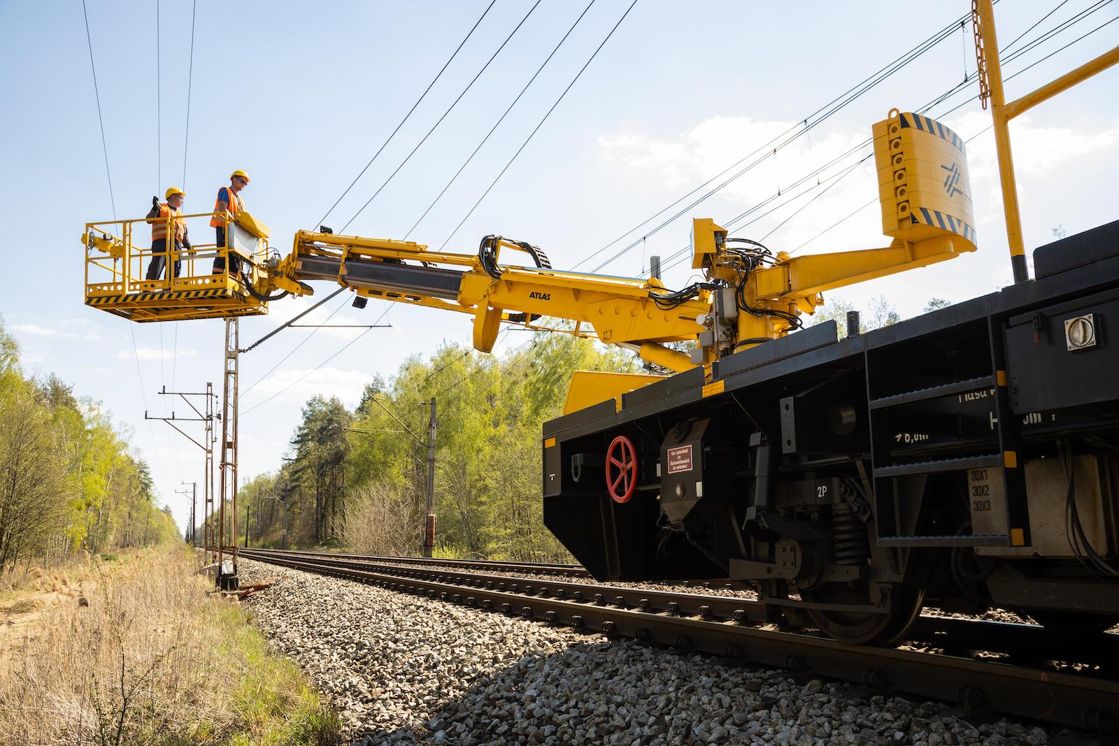 Galeria zdjęć pokazuje prace na szlaku Dobiegniew – Bierzwnik oraz na stacji Drawski Młyn, które miały miejsce w kwietniu 2020 roku.