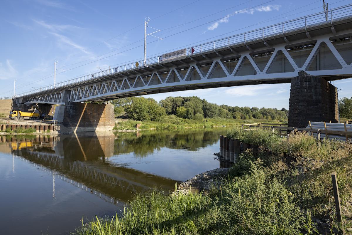 Sesja przedstawia zdjęcia z prac na stacji oraz obiektów inżynieryjnych we Wronkach, które odbywały się w sierpniu 2020 roku.