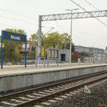 Sesja przedstawia prace na stacji kolejowej oraz obiektach inżynieryjne we Wronkach.