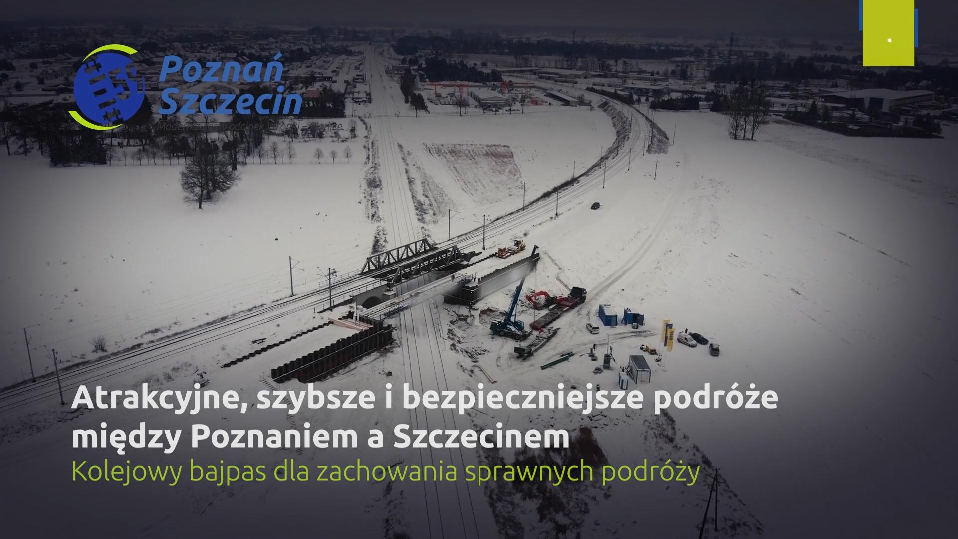 Miniatura filmu przedstawia ujęcie wiaduktu w zimowej aurze. Film przedstawia kolejowy bajpas, który został zbudowany na trasie Poznań-Szczecin w celu zachowania ruchu kolejowego między Wielkopolską a Pomorzem Zachodnim.