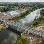 Galeria zdjęć przedstawia postęp prac na stacji i wiaduktach we Wronkach oraz na moście nad Wartą we Wronkach.